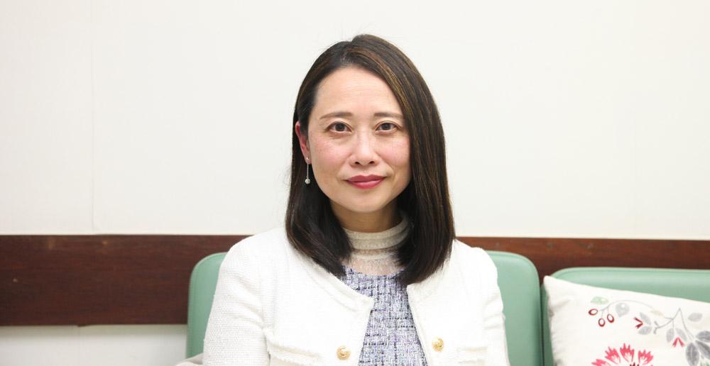 香港基督教服務處家庭及社區核心業務總監梁李紫薇鼓勵家長若缺乏照顧/管教兒童的技巧,可向外求助。