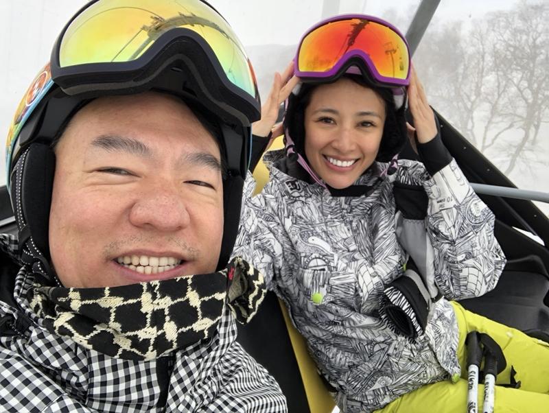 李蒨蓉與先生李德立合影。