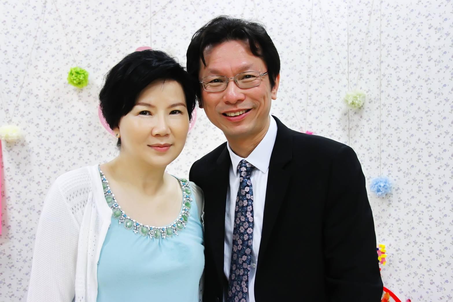 朱家祥醫師與妻子劉采艷合影。
