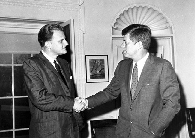 葛理翰牧師與第35任美國總統甘迺迪(John F. Kennedy)會面。